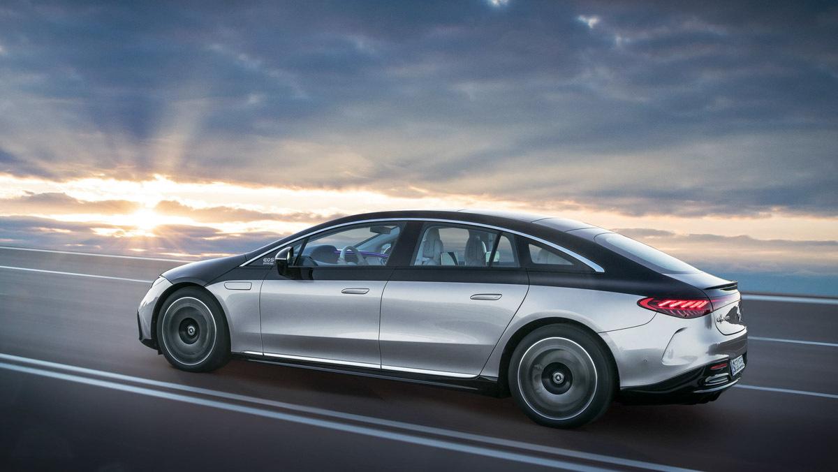 Mercedes-Benz-EQS-10
