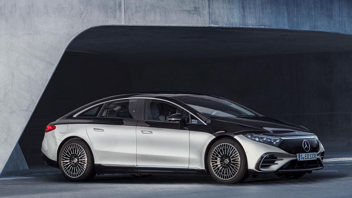 Mercedes-Benz-EQS-13