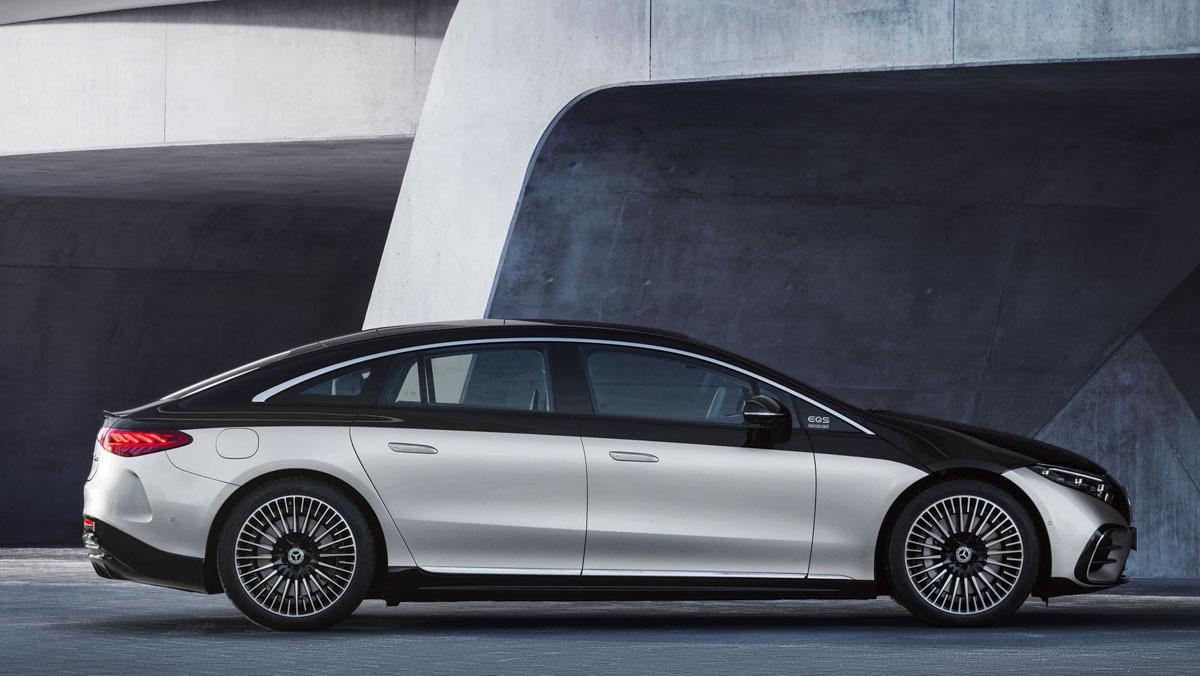 Mercedes-Benz-EQS-14