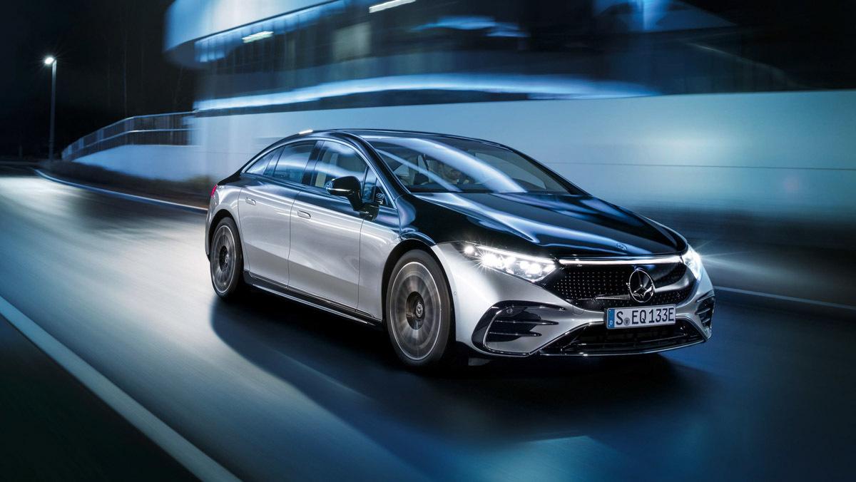 Mercedes-Benz-EQS-16