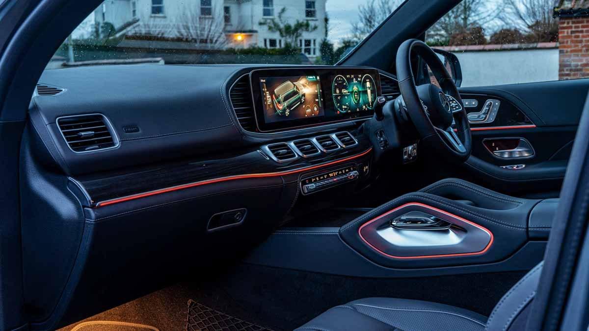 Mercedes-GLS400d-10