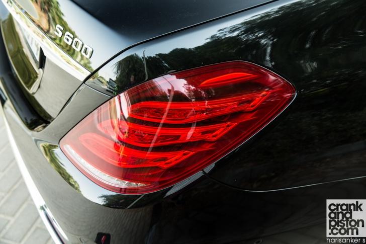 Mercedes-Maybach S600 meets Mercedes W180 220S crankandpiston-01