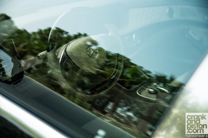 Mercedes-Maybach S600 meets Mercedes W180 220S crankandpiston-05