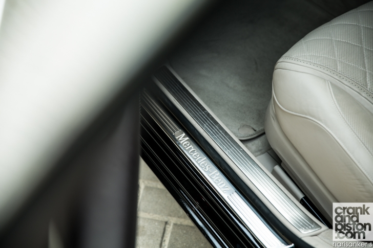 Mercedes-Maybach S600 meets Mercedes W180 220S crankandpiston-14