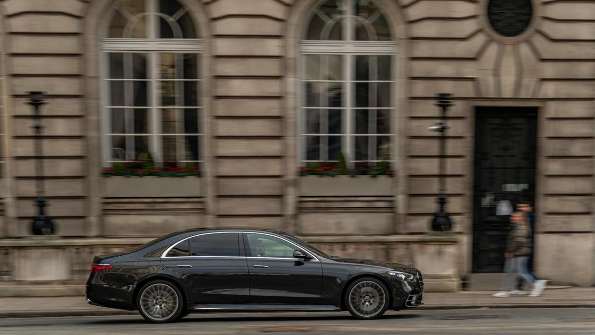 Mercedes-S-class-2021-9