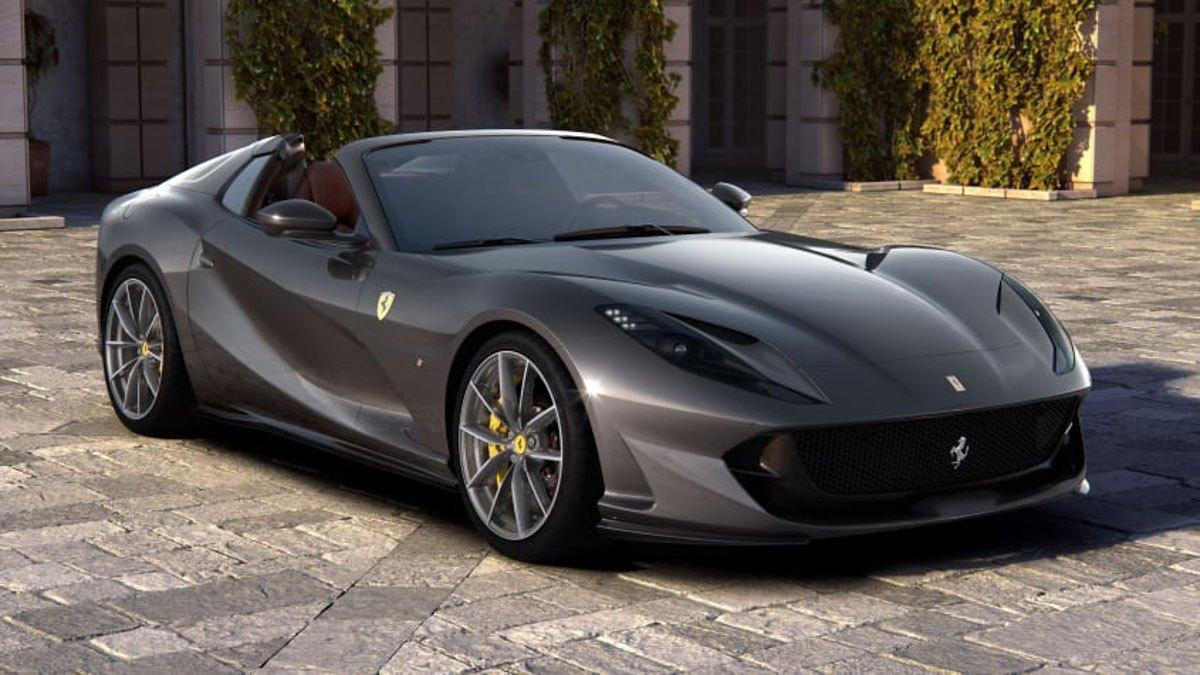 New-Ferrari-812-GTS-revealed-1