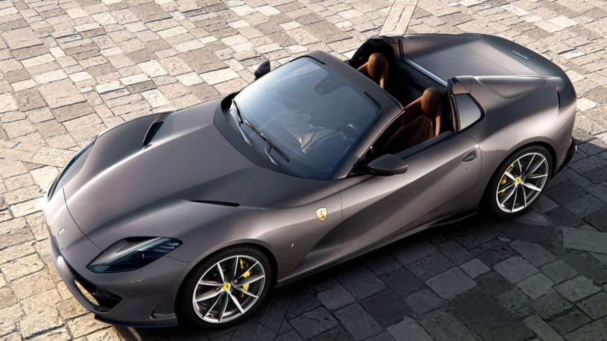 New-Ferrari-812-GTS-revealed-2