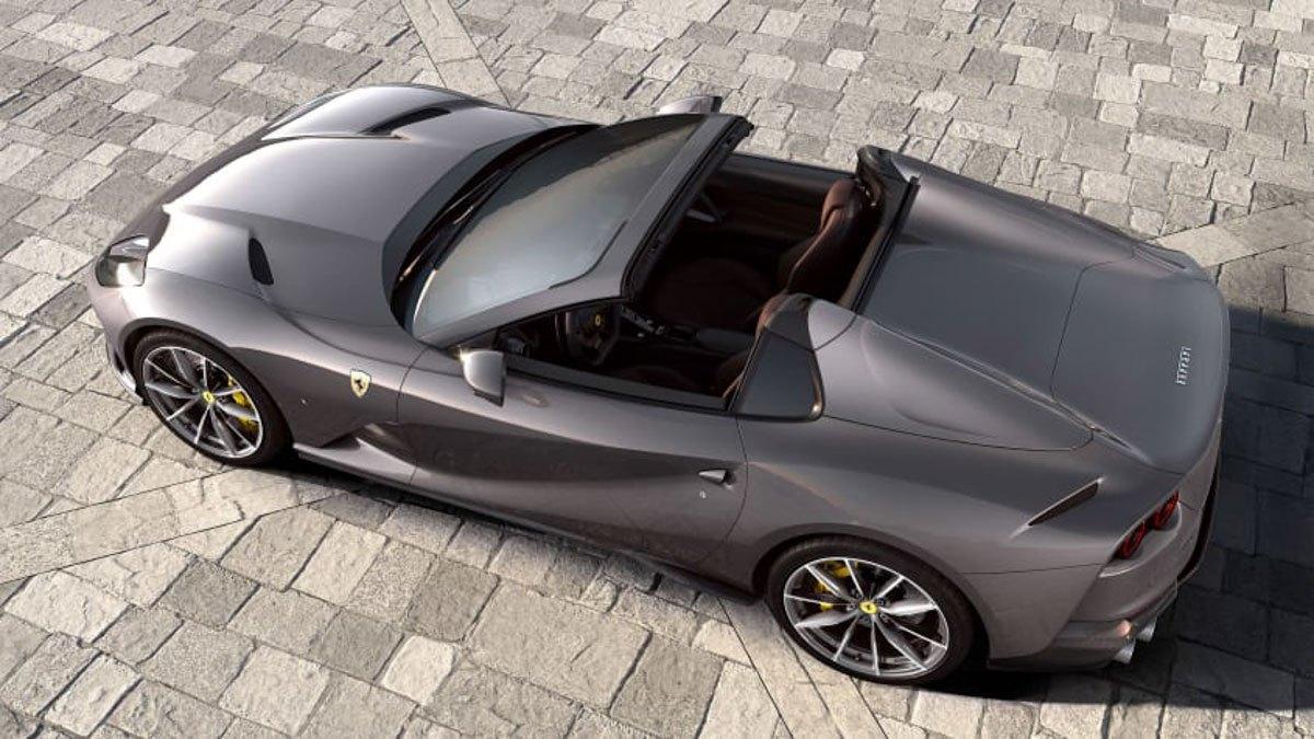New-Ferrari-812-GTS-revealed-3