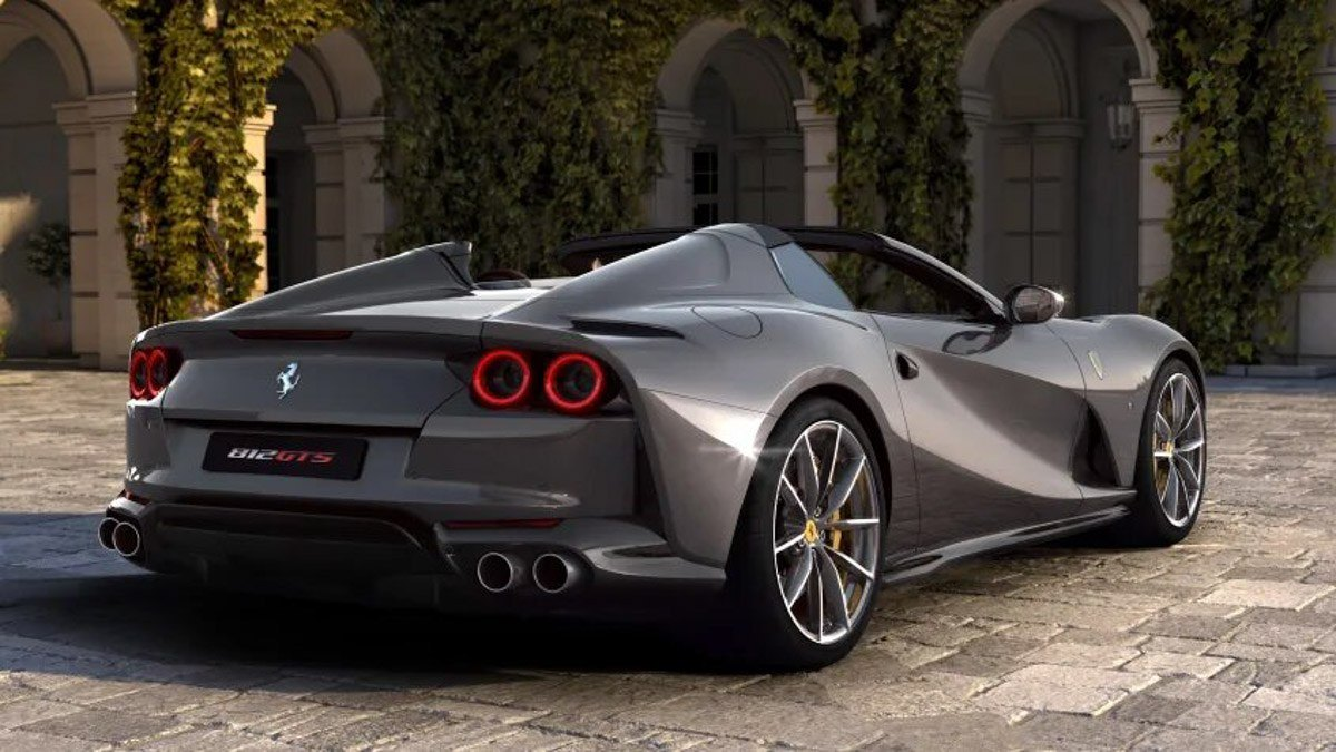 New-Ferrari-812-GTS-revealed-4