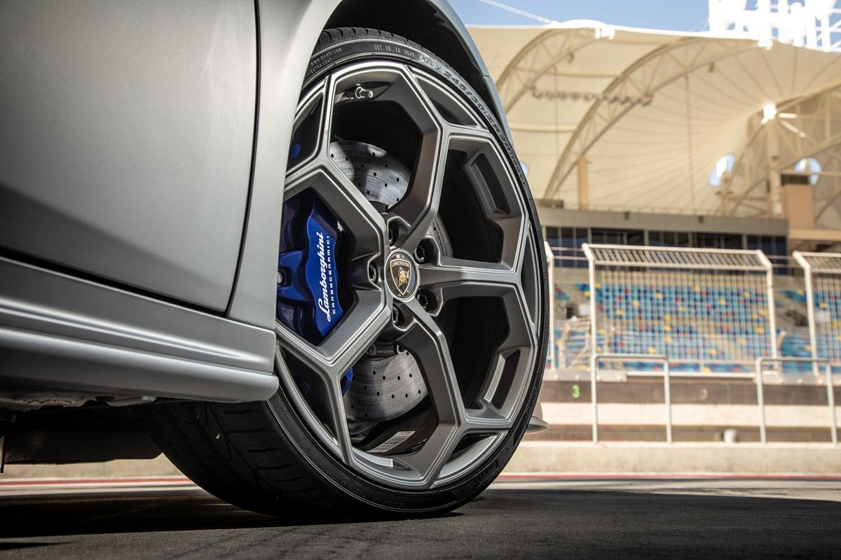 New Lamborghini Huracán Evo review-4