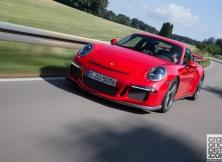 new-porsche-911-gt3-driving-germany-002