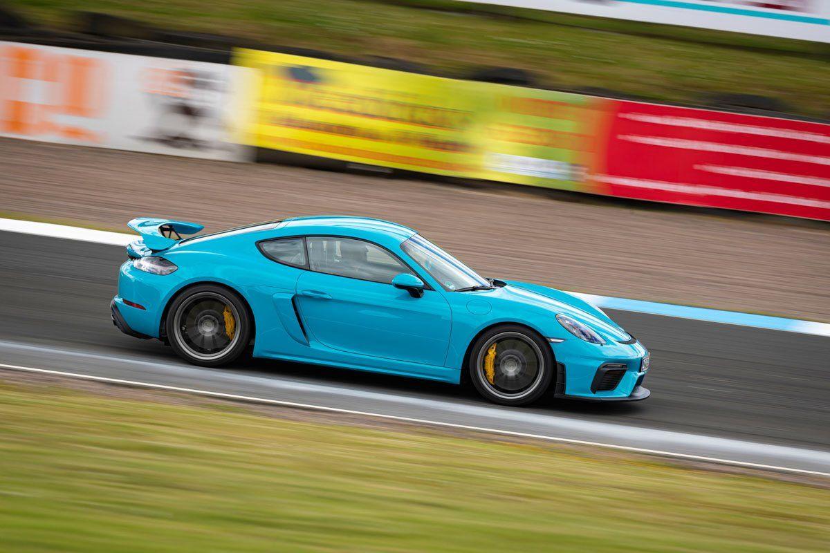 New-Porsche-Cayman-GT4-2019-review-2