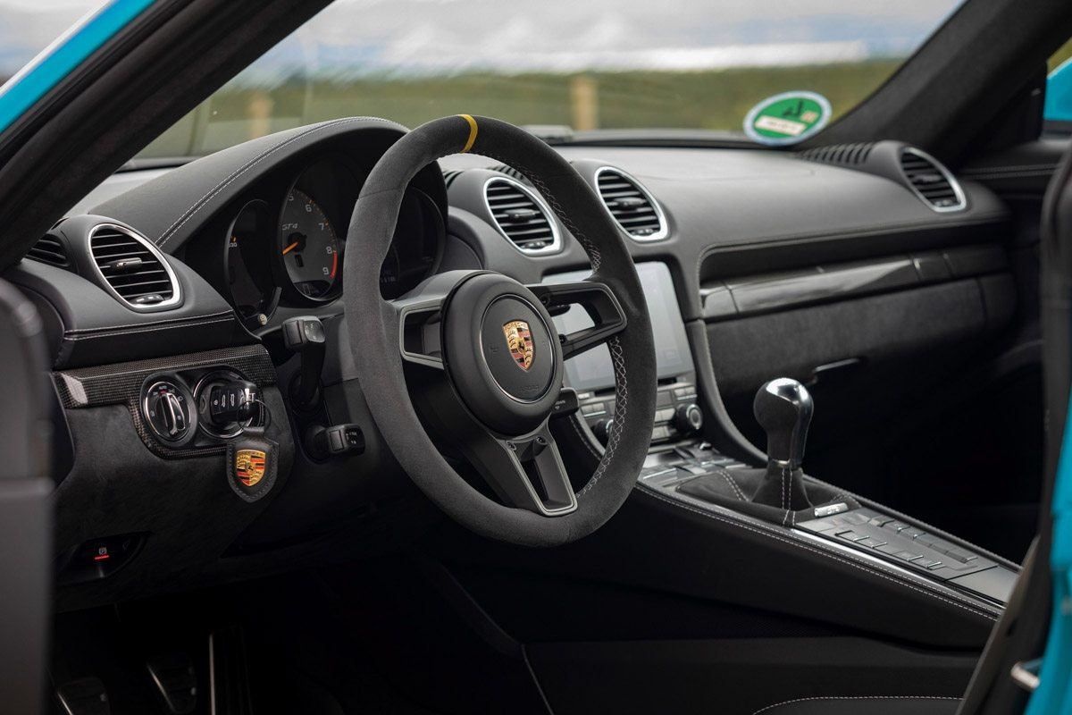 New-Porsche-Cayman-GT4-2019-review-4
