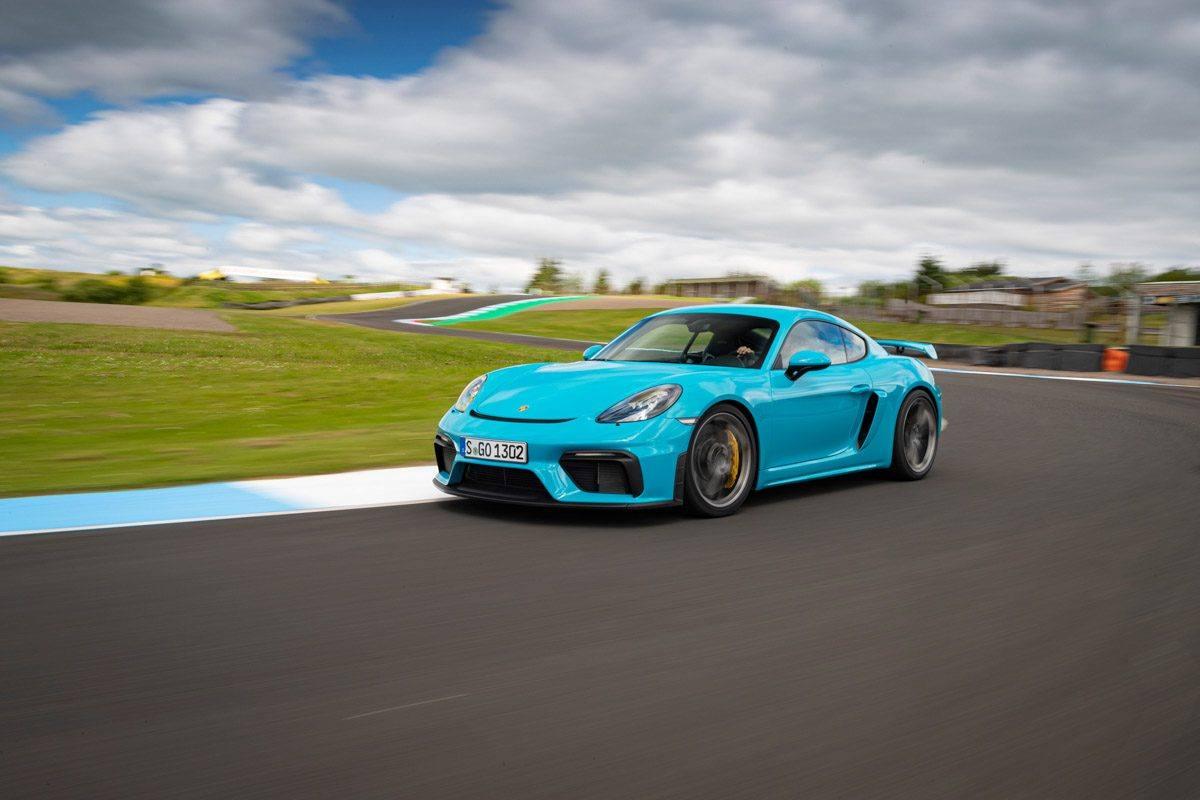New-Porsche-Cayman-GT4-2019-review-5