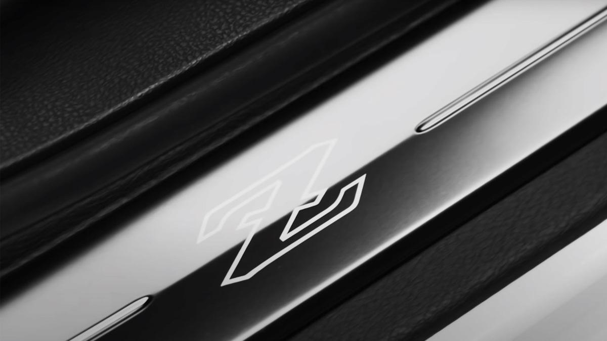 Nissan-Z-4