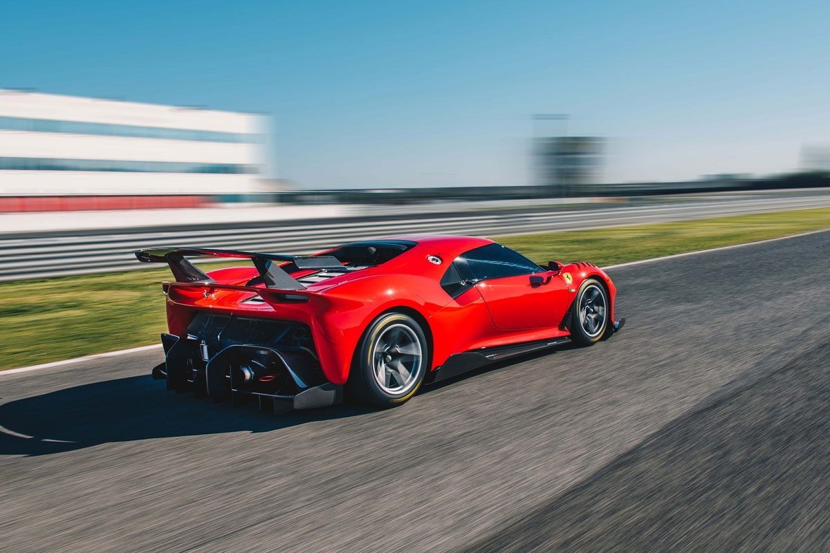 One-off-Ferrari-P80-C-revealed-13