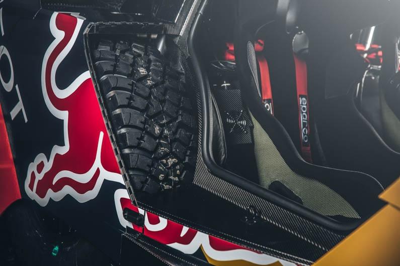 Peugeot Dakar Red Bull 04