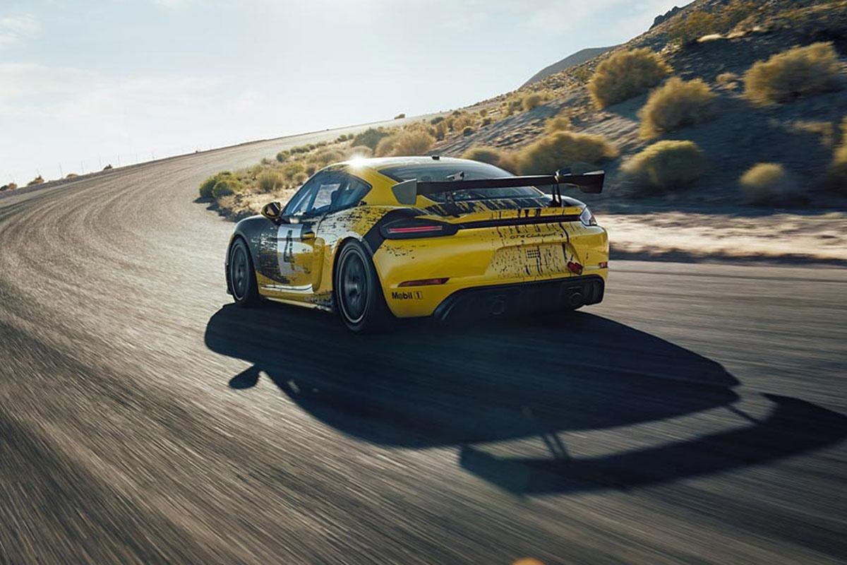 Porsche 718 Cayman GT4 Clubsport -12