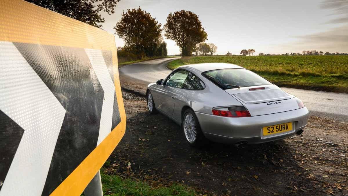 Porsche-911-Carrera-996-11