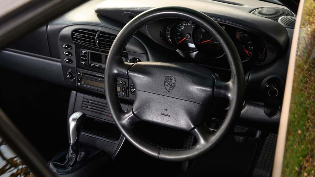 Porsche-911-Carrera-996-15
