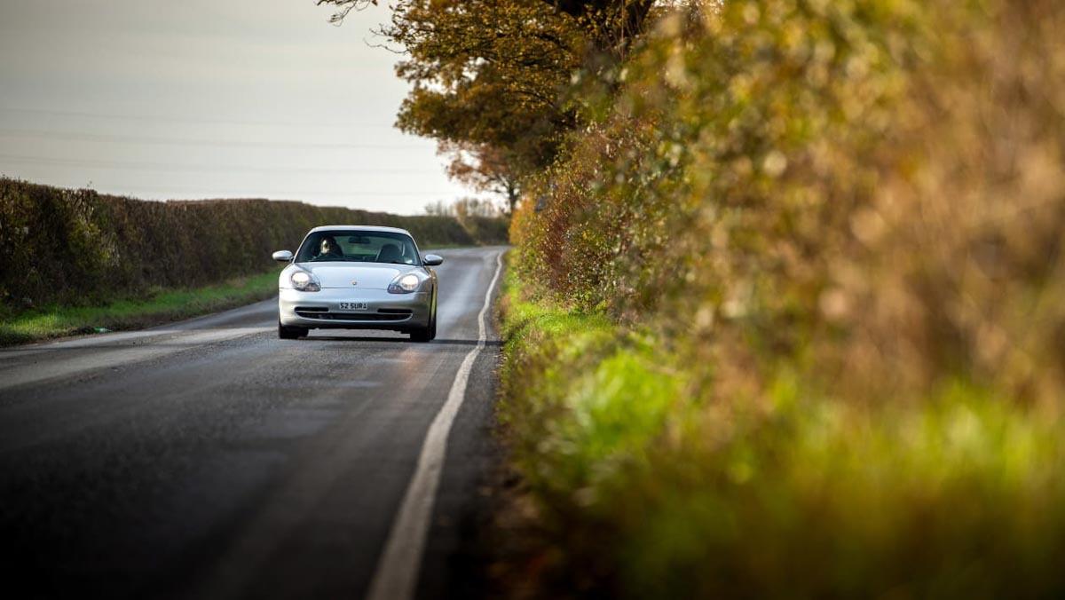 Porsche-911-Carrera-996-8