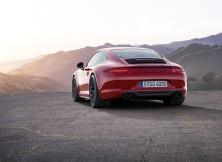 Porsche 911 Carrera GTS 02