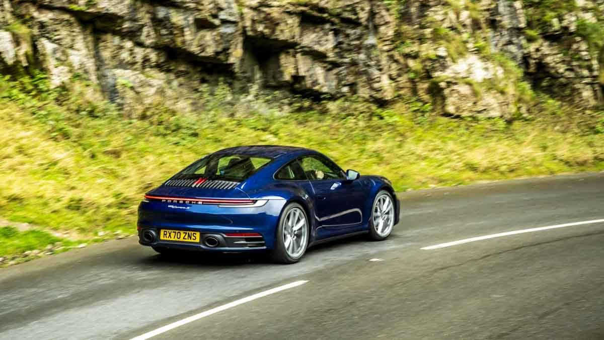 Porsche-911-Carrera-S-2