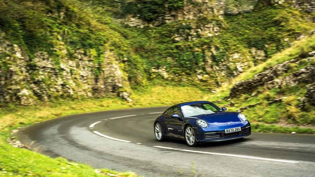 Porsche-911-Carrera-S-6