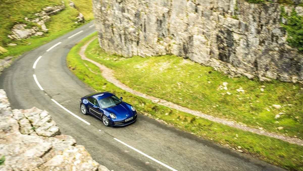 Porsche-911-Carrera-S-7