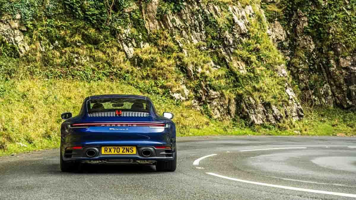 Porsche-911-Carrera-S-8