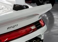 porsche-911-gt1-bahrain-international-circuit-006