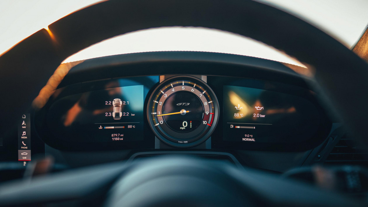 Porsche-911-GT3-2021-4