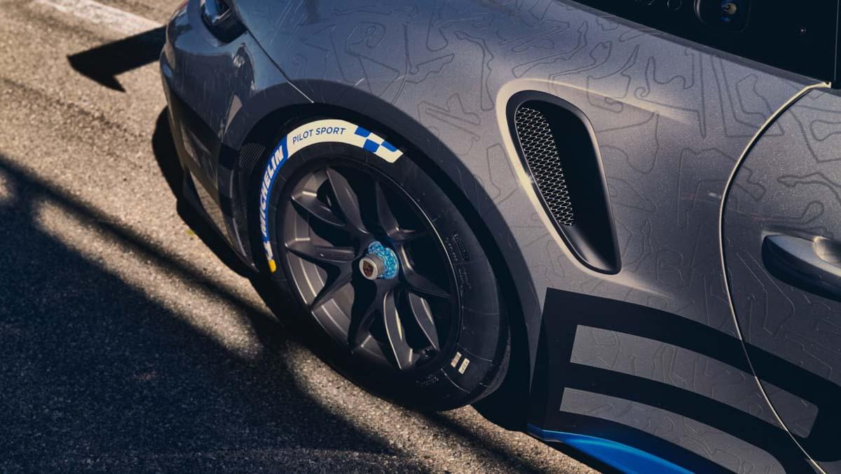 Porsche-911-GT3-Cup-11