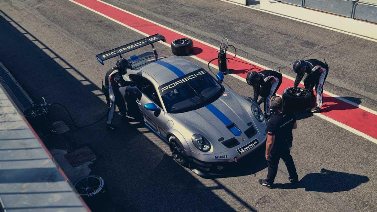 Porsche-911-GT3-Cup-12
