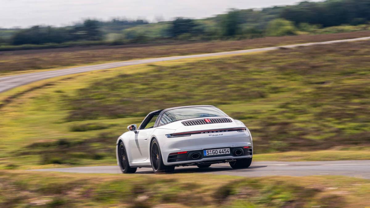 Porsche-911-Targa-4S-8