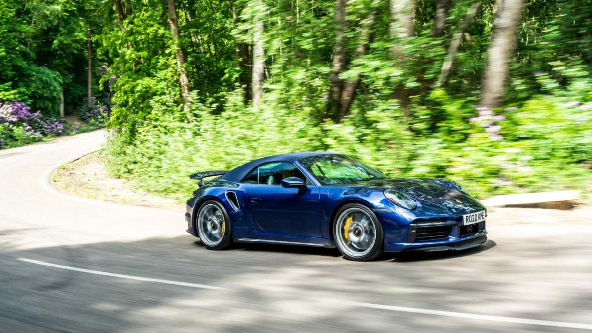 Porsche-911-Turbo-S-Cabriolet-1