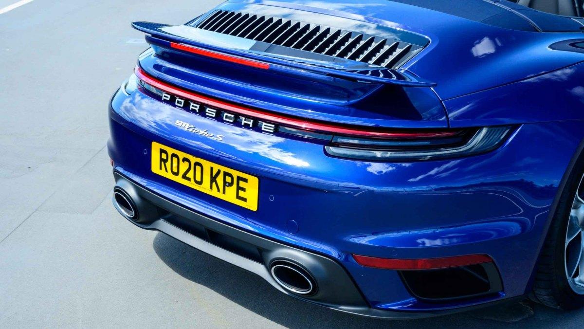 Porsche-911-Turbo-S-Cabriolet-10