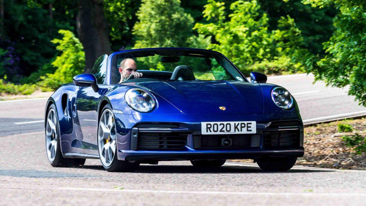 Porsche-911-Turbo-S-Cabriolet-12