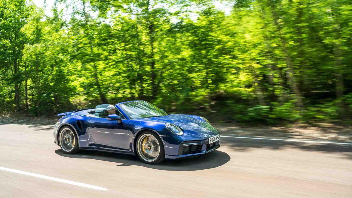 Porsche-911-Turbo-S-Cabriolet-8
