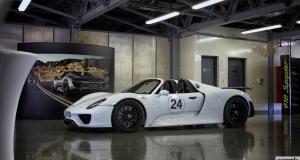 Porsche 918 Spyder. Dubai. It\'s here