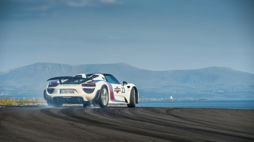 Porsche-918-Spyder-review-1