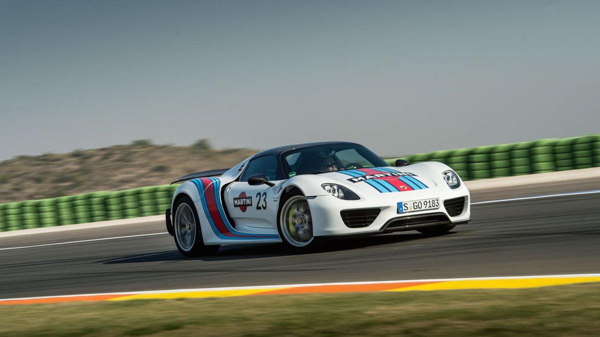 Porsche-918-Spyder-review-10