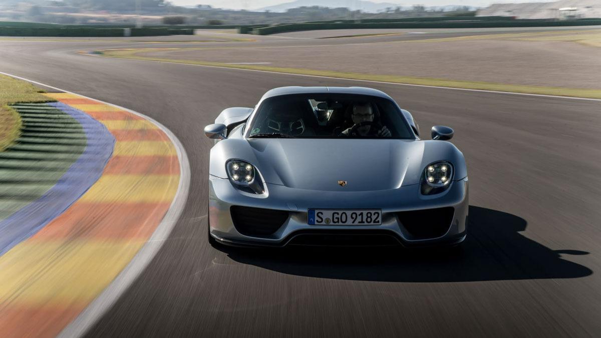 Porsche-918-Spyder-review-5
