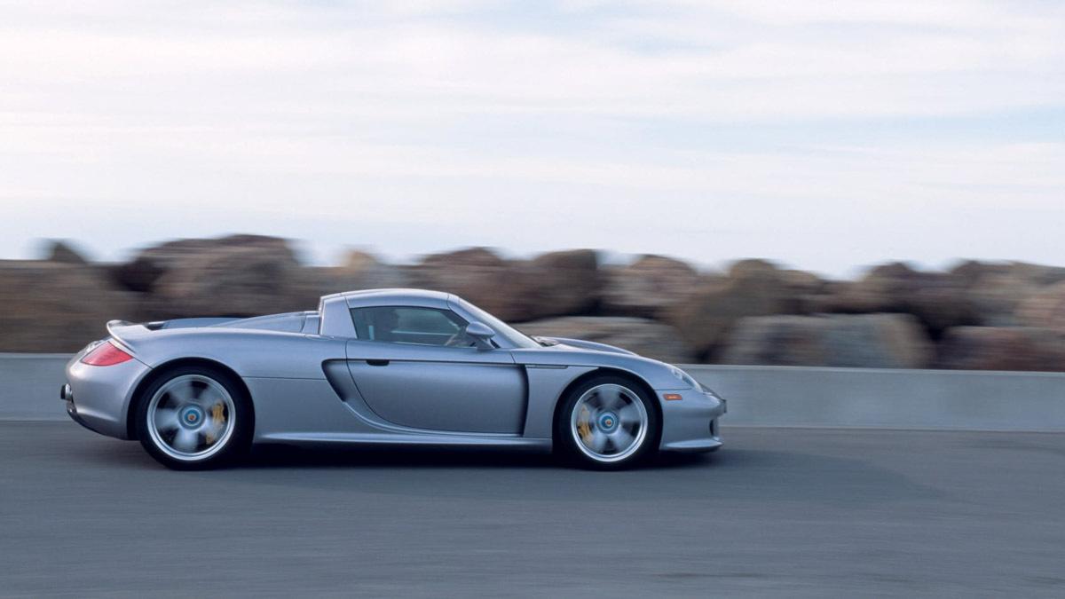Porsche-Carrera-GT-9
