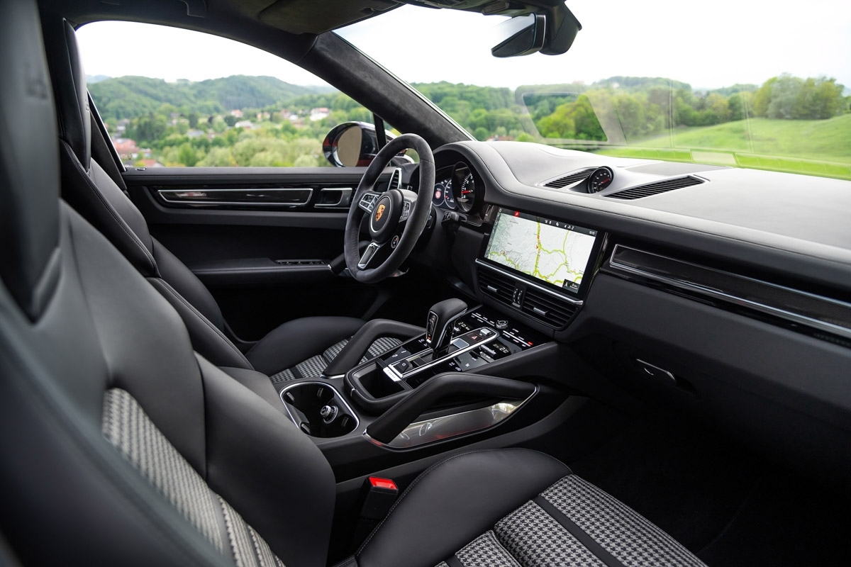Porsche-Cayenne-Coupe-review-5