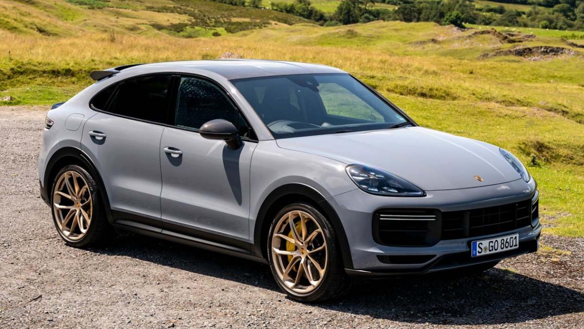 Porsche-Cayenne-Turbo-GT-13