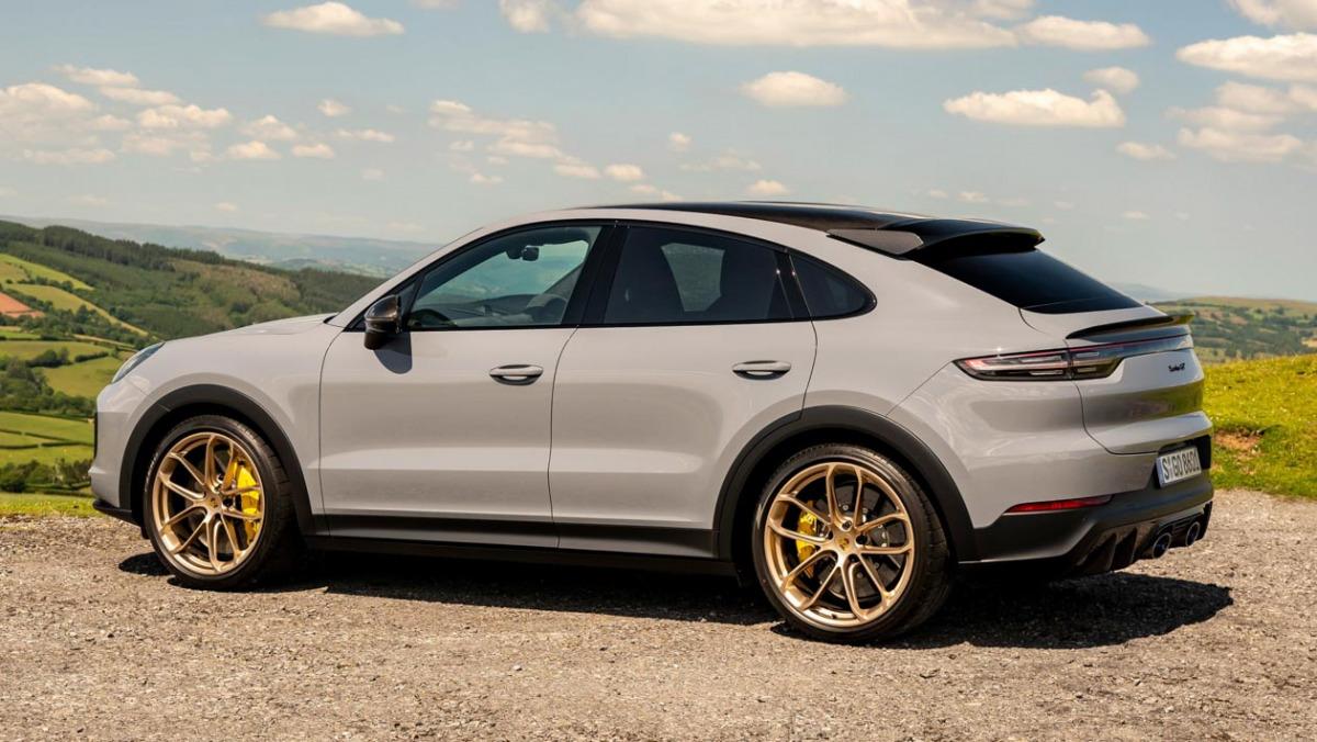 Porsche-Cayenne-Turbo-GT-14