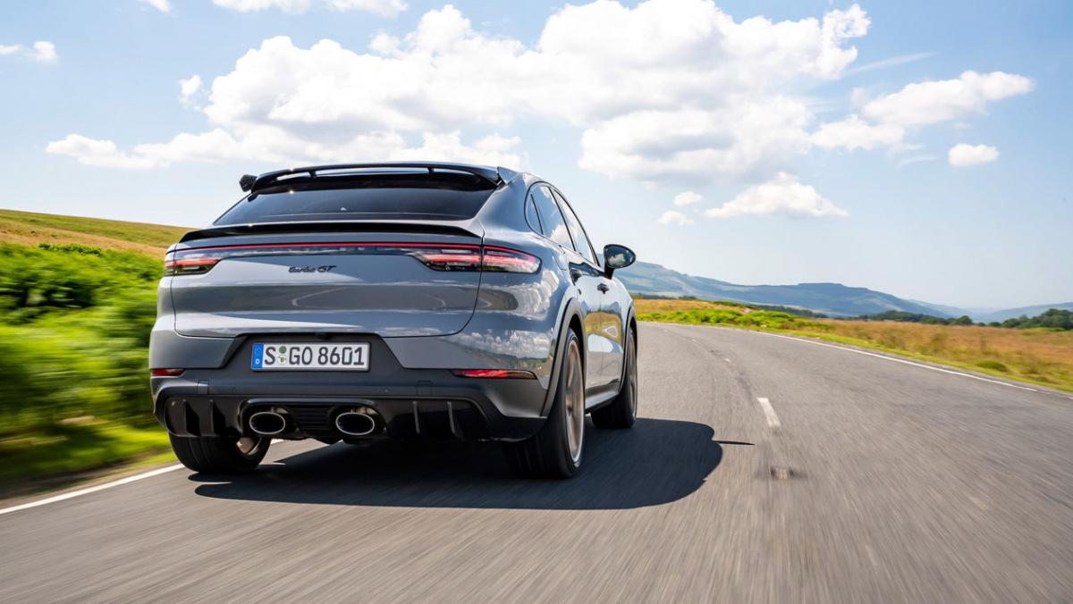 Porsche-Cayenne-Turbo-GT-2
