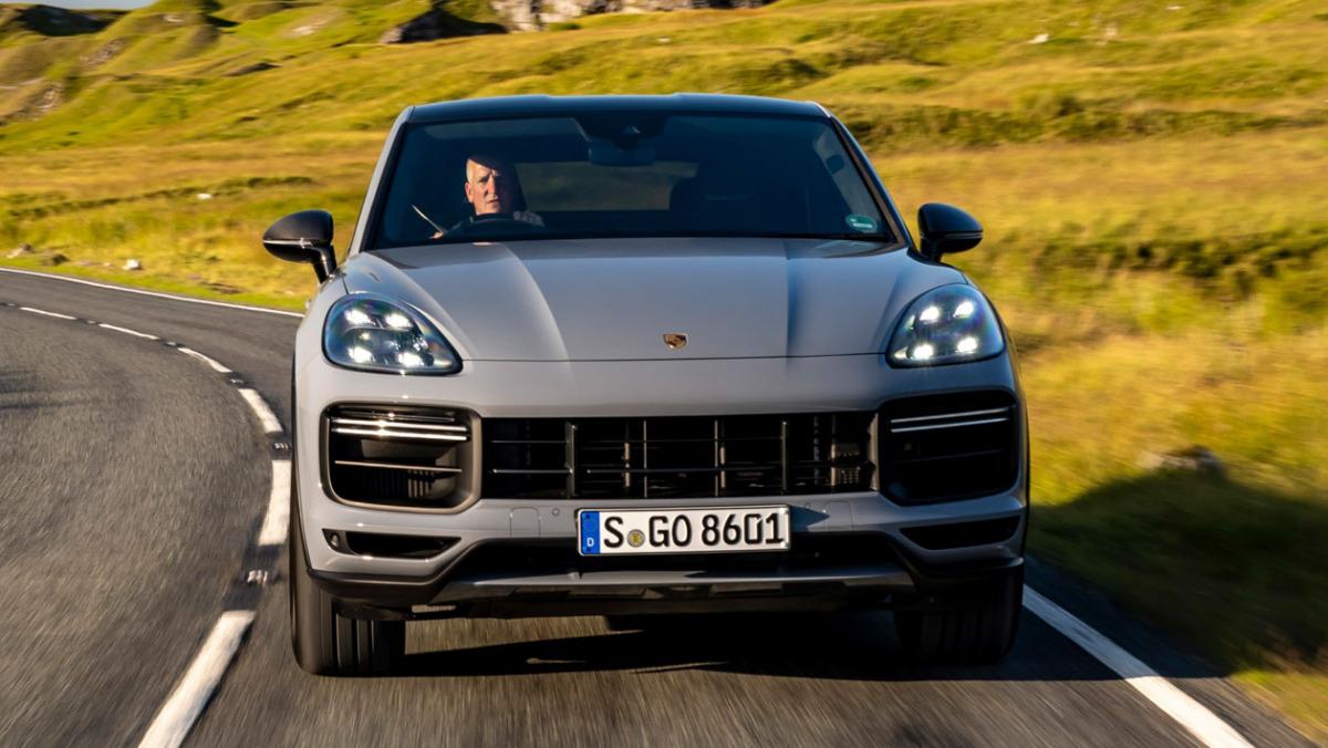 Porsche-Cayenne-Turbo-GT-6