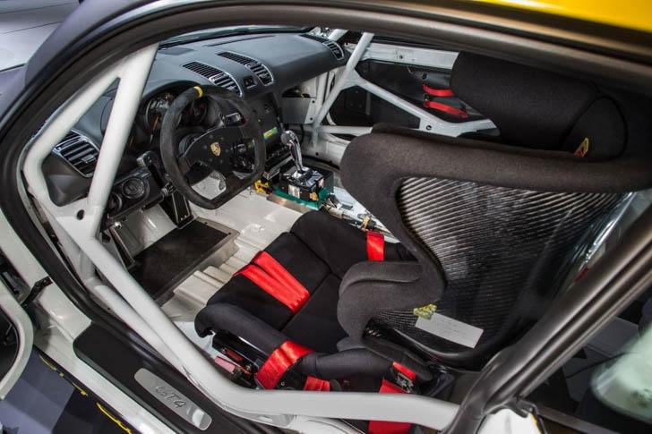 Porsche Cayman GT4 Clubsport-13